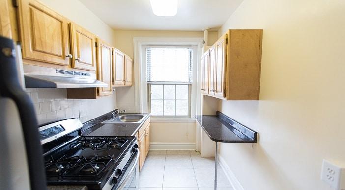 2701 Connecticut Ave: DC Apartments: Kitchen: Stainless Steel Appliances
