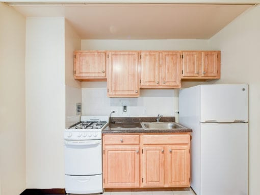 Brunswick-house-apartments-NW-Washington-DC-kitchen-2