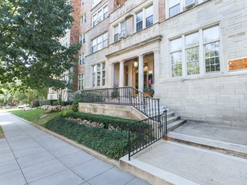 Frontenac-Entrance-Washington-DC-Apartment-rental